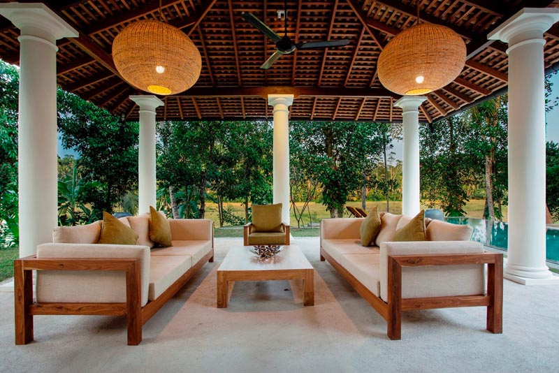 Kumbura Villa a Cozy Family Friendly  Villa with Paddy Views in Galle