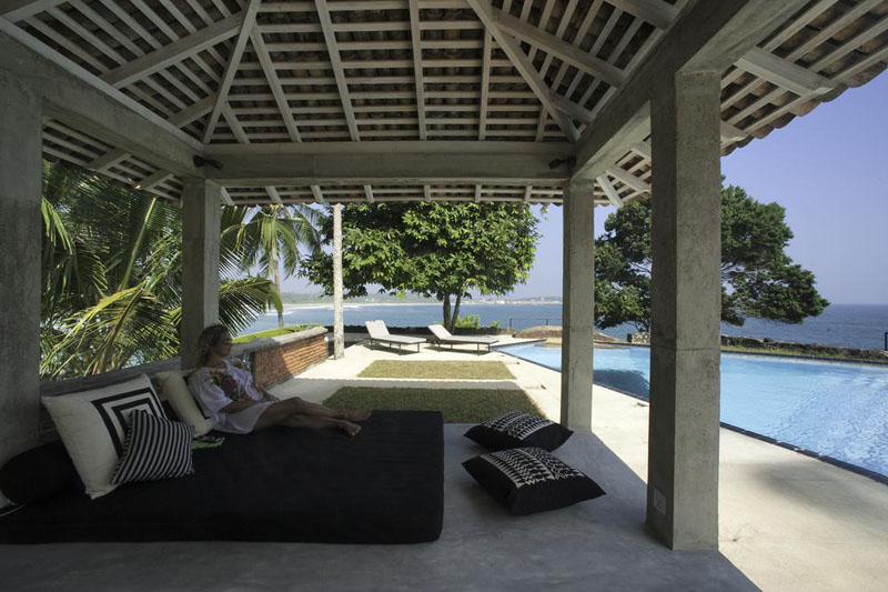 Claughton House a Beachfront Villa in Dikwella, Sri Lanka
