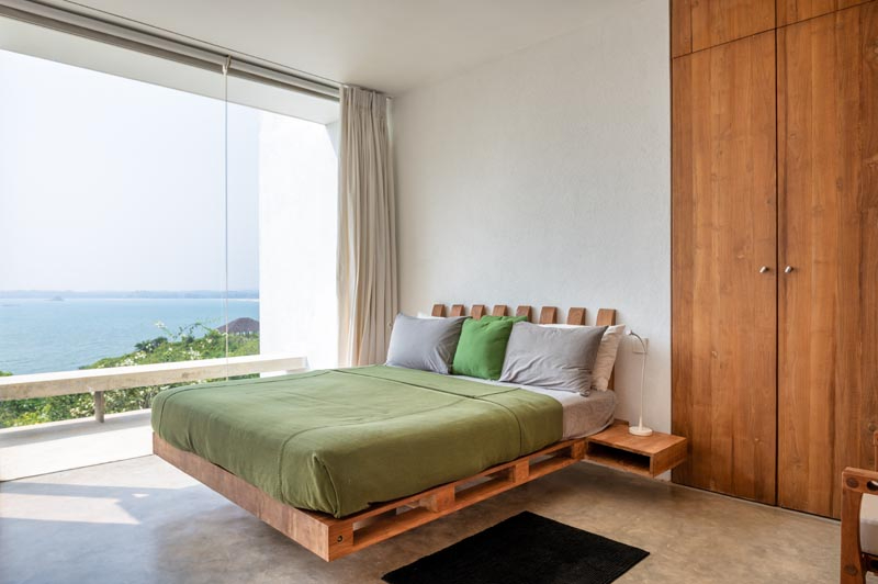 Cliff Top Villa Vista Located in Mirissa, Sri Lanka